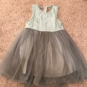 Green kids girls dress with bow and lace size 6